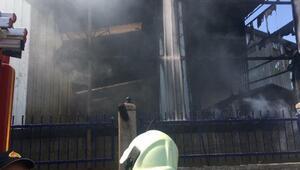 Manisada yedek parça fabrikasında yangın