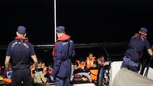 Balıkesirde lastik botta 34 kaçak göçmen yakalandı
