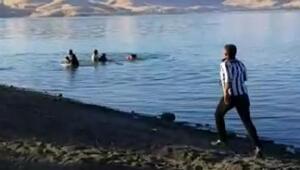 Boğulma tehlikesi geçiren çocuğun kurtarılma anı görüntülendi
