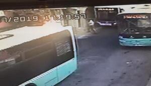 Kağıthanede yokuş aşağı kayan otobüs iş yerine girdiği anlar kamerada