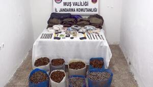 Muşta, 25 bin Kalaşnikof mermisi ele geçirildi