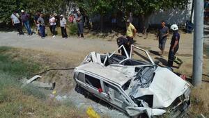 Aydında otomobil şarampole devrildi, baba ile oğlu ve kızı yaralandı