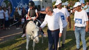 Geliboluda çocuklar at binme heyecanı yaşadı