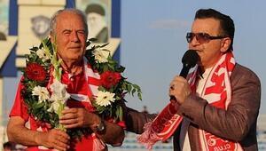 Mustafa Denizli: Şenol Güneşin yaptıkları, yapacaklarının garantisidir