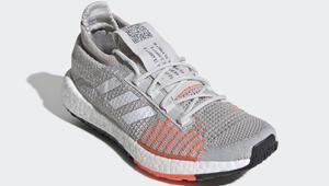 Şehirde koşanlar için Boost teknolojili ayakkabı
