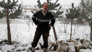Şasi ile römork arasında sıkışan çiftçi öldü