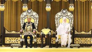 Abdullah Ri'ayatuddin Al-Mustafa Billah Şah İbni Almarhum Sultan Ahmad Şah Al-Musta'in Billah dün resmen 'kral' oldu