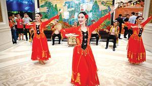 Çin'den danslı Uygur açıklaması