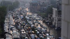 Hindistandaki sellerde bilanço artıyor