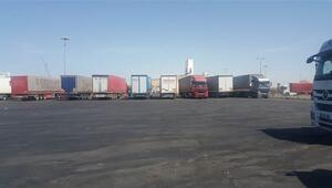 Suudi Arabistanda 85 Türk tırı günlerdir limanda bekletiliyor