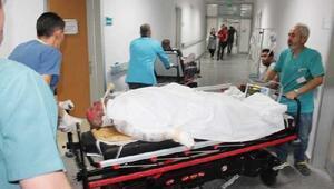 Kaza yapan arkadaşına yardıma koştu, elektrik akımına kapıldı