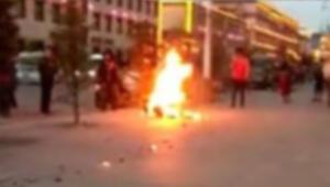 Güney Korede bir kişi, Japonyaya tepki olarak kendisini yaktı