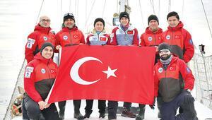 Bilim insanları Kuzey Kutbu'ndaydı... İlk Türk Arktik seferi