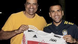 Dani Alves, Sao Paulo ile anlaştı | Transfer haberleri...