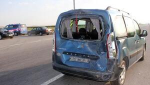 Bira yüklü kamyonet devrildi: 4 yaralı