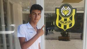 Beşiktaş talip olmuştu, Yeni Malatyaspor kaptı 15 yaşındaki Emirhan Öz...