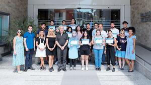 14 başarılı öğrenciye İzmir'de yaz okulu etkinliği