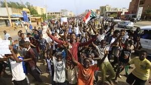 Sudanda asker ve muhalefet ortak yönetimde uzlaştı