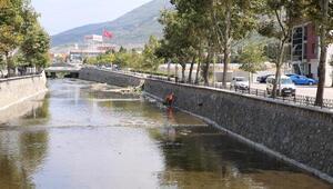 Bursa Büyükşehir Belediyesinin Gemlikte dere ıslahı çalışmaları başladı