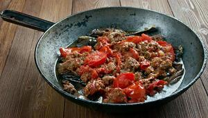 Musakka nasıl yapılır İşte patlıcan musakka tarifi