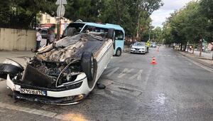 Kadıköyde feci kaza... Araçtan fırlayan parça minibüsün camına isabet etti: 2 yaralı