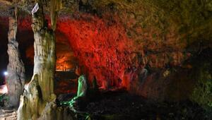 İncesu Mağarasında şifa arıyorlar