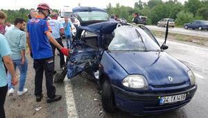 Yaralılara yardım için durunca minibüsüne otomobil çarptı: 1 ölü, 2 yaralı