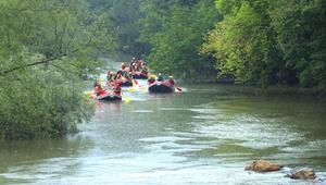 Sel felaketinin yaşandığı Melen Çayında rafting turları yeniden başladı