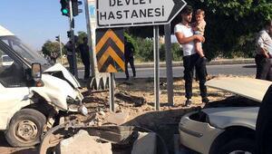 Vanda, otomobil ile minibüs çarpıştı: 6 yaralı