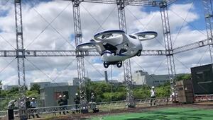 Japonyada prototip uçan otomobil deneme uçuşu yaptı