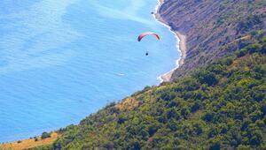 Tekirdağın yamaç paraşütü durağı Uçmakdere adrenalin severlerin gözdesi