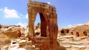 Mardinde sergilenen bin 500 yıllık toplu mezarlık