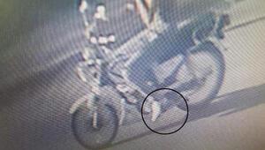Kapkaççıyı beyaz motosikleti ve ayakkabıları yakalattı