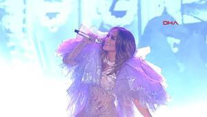 Jennifer Lopez fırtına gibi esti