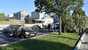 Kütahyada feci kaza: 1 ölü, 2 yaralı