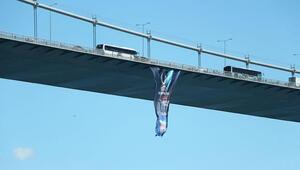 FSM Köprüsüne UEFA Süper Kupa bayrağı asıldı