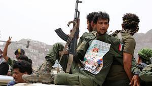 Husilerden Suudi Arabistandaki bir askeri karargaha saldırı