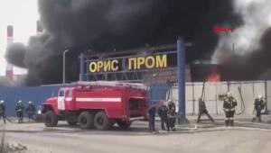 Rusyada zift deposunda yangın