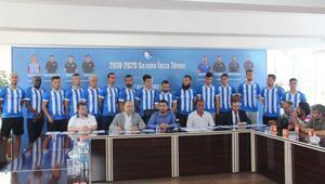BB Erzurumspor 15 futbolcu ile sözleşme imzaladı