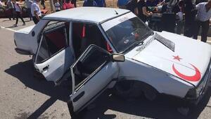 Kardeşlerin kullandığı otomobiller çarpıştı: 6 yaralı