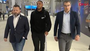Son Dakika: Fenerbahçenin yeni transferi Zanka sabaha karşı İstanbula geldi