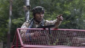 Cammu Keşmirde yüzlerce kişi gözaltına alındı