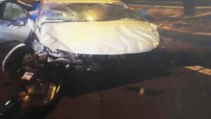 Otomobil refüje çarptı: 2 ölü, 5 yaralı