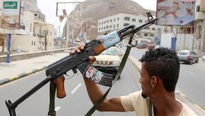 Yemendeki Güney Geçiş Konseyi İçişleri Bakanının evini ele geçirdi