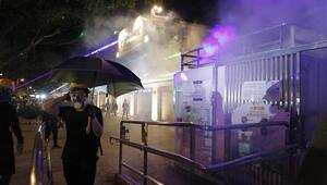 Hong Kongdaki protestolarda polisten sert müdahale
