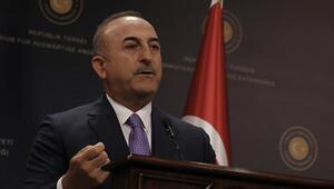 Bakan Çavuşoğlu, Nijeryada serbest bırakılan Türk gemiciler ile konuştu