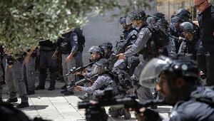 Son dakika... İsrail Filistinlilere Harem-i Şerifin içinde müdahale etti