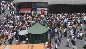İstanbulda kalanlar oraya akın etti Görülmemiş kalabalık...