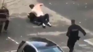 Fransa bu görüntüyü konuşuyor... Önce sivil polis ardından üniformalılar dövdü