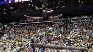 İzleyenlerin ağzı açık kaldı ABDli cimnastikçi Simone Biles, hareketiyle tarihe geçti